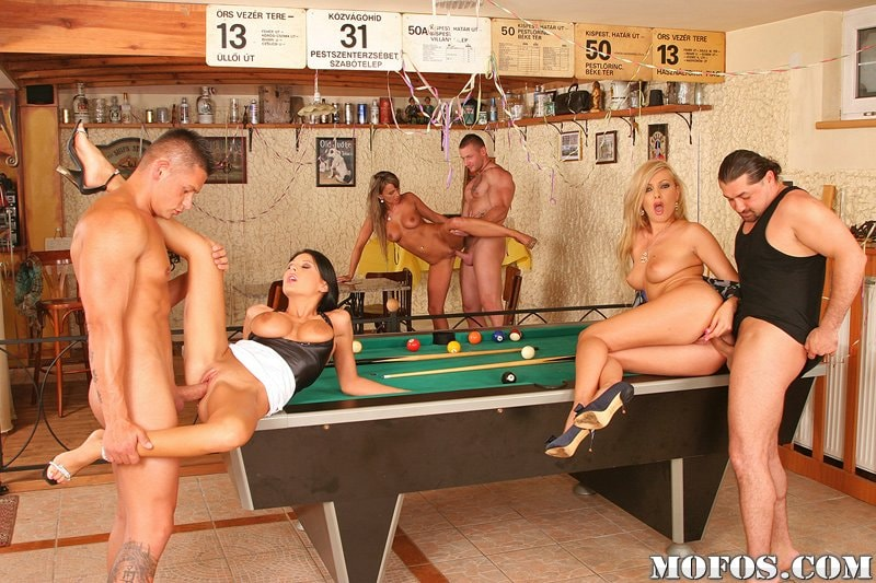 Порно русское пикап на бильярдном столе