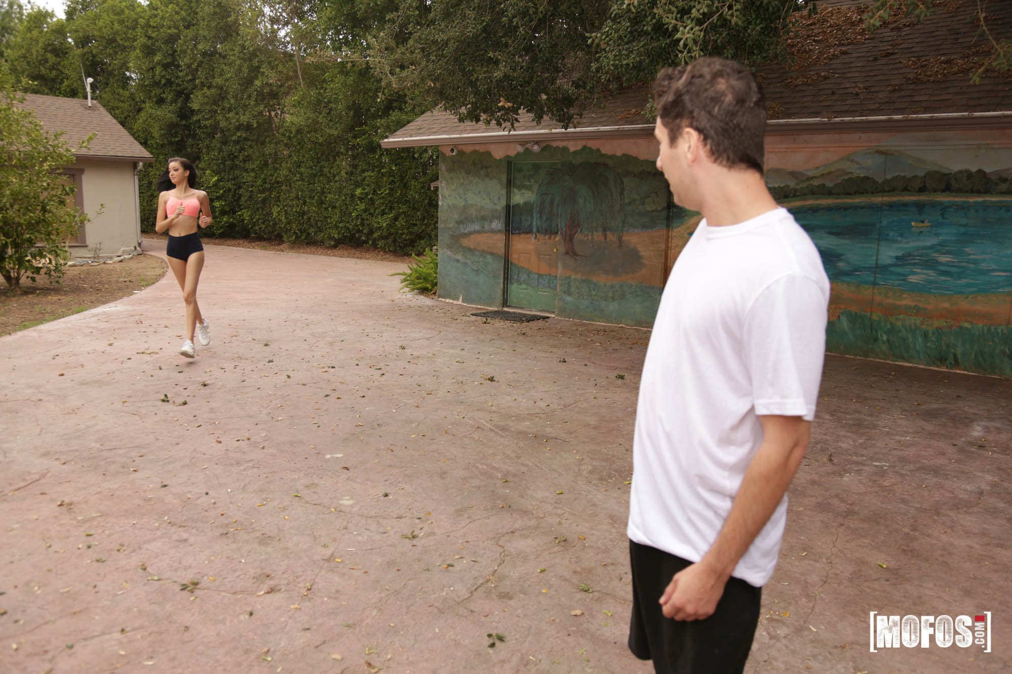 Scarlett Bloom - Jogging Neighbor Loves Dick | Picture (3)